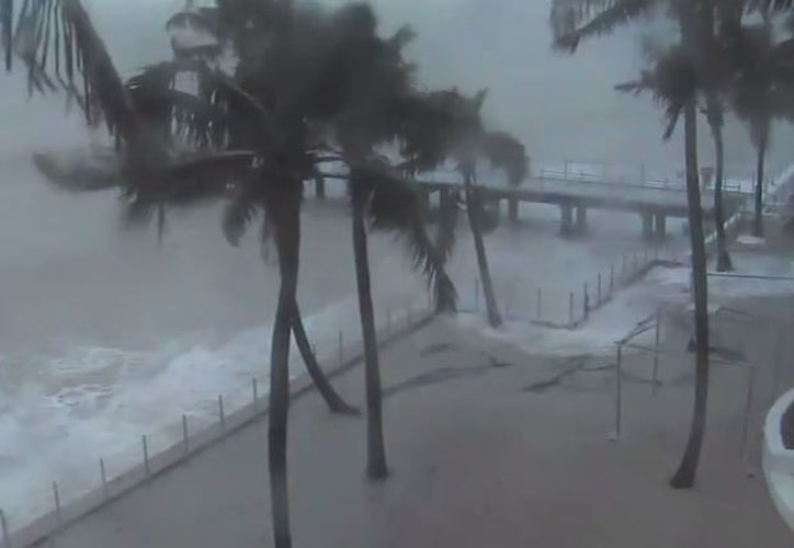 El Servicio Nacional Meteorológico de EU, ha emitido este sábado una advertencia de tornados para nueve condados de Florida. (Foto: YouTube)
