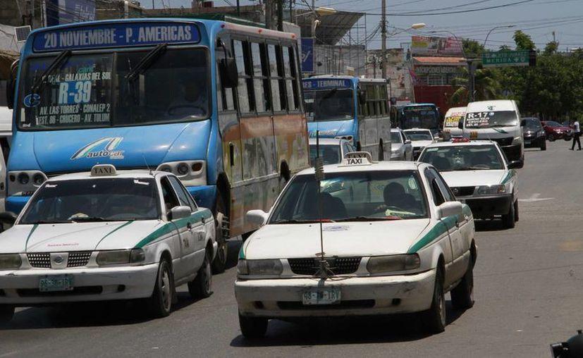 Las infracciones a automovilistas particulares aún no se aplicarán, reveló la Dirección de Tránsito Municipal. (Tomás Álvarez/SIPSE)