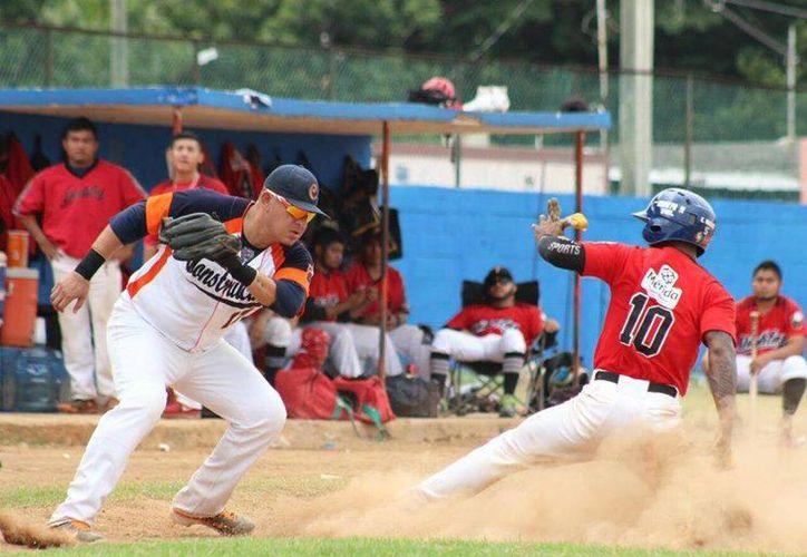 Los Diablos de la Bojórquez empataron en el último puesto clasificatorio con los Zorros de Pacabtún, por lo que jugarán un partido de desempate.(Milenio Novedades)