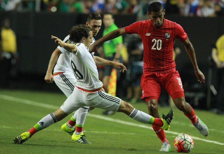 Andrés Guardado fue una vez más un guerrero en la cancha, pero México en general dio otro pésimo partido, sin embargo con dos penales dudosos venció a una Panamá que dio un gran partido en la semifinal de la Copa Oro.  (Notimex)