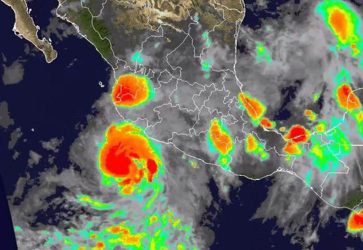 Es un huracán de categoría uno y según pronósticos del Centro Nacional de Huracanes, se alejaría de la costa hacia el Pacífico. (Twitter/@ClimaYucatan)