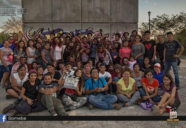 Del 10 al 12 de marzo, el equipo realizó en Cancún las secuencias fílmicas  para preparar el tráiler. (Foto: Some be/Película-Facebook)