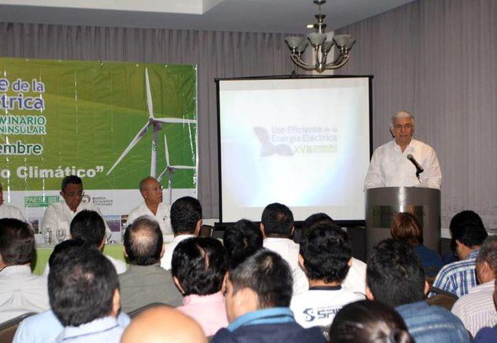 En el Seminario Peninsular del Uso Eficiente de la Energía Eléctrica se indicó que cada vez más empresas usan energía limpia. (Milenio Novedades)