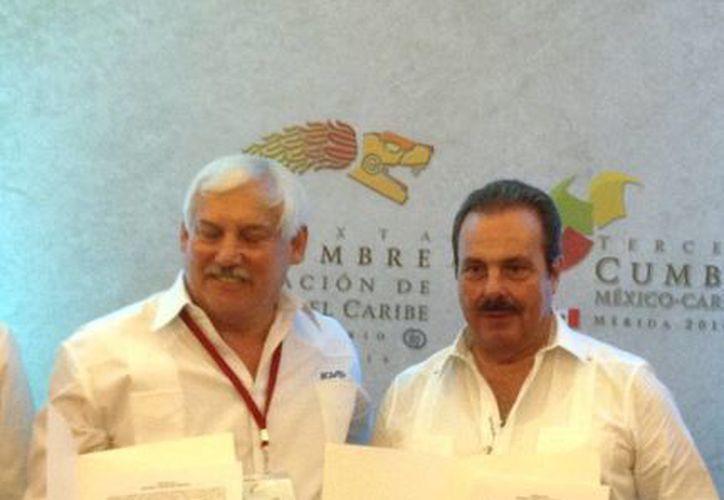 El titular de la Sagarpa (d) firmó ayer un convenio en beneficio de la productividad agrícola de las naciones del Caribe. (Milenio Novedades)