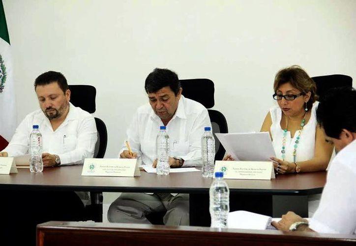 El presidente el Tribunal, Fernando Bolio, informó de la resolución. (Milenio Novedades)