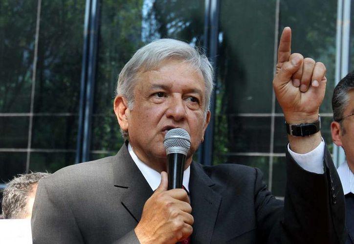 Andrés Manuel López Obrador reprochó en Twitter al EZLN que hayan anunciado la búsqueda de la presidencia del país en 2018, por medio de una candidata. (Archivo/ Agencias)