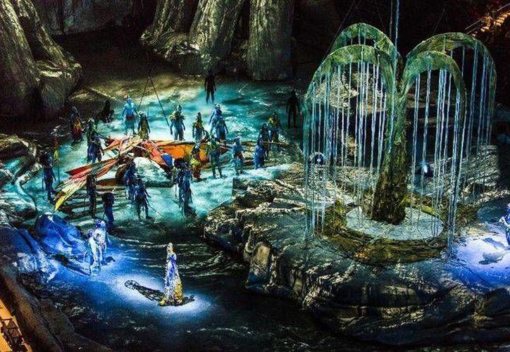 El espectáculo del Cirque Du Soleil   es una odisea narrativa inspirada en la exitosa película 'Avatar'. (Foto tomada de Facebook/Cirque Du Soleil)