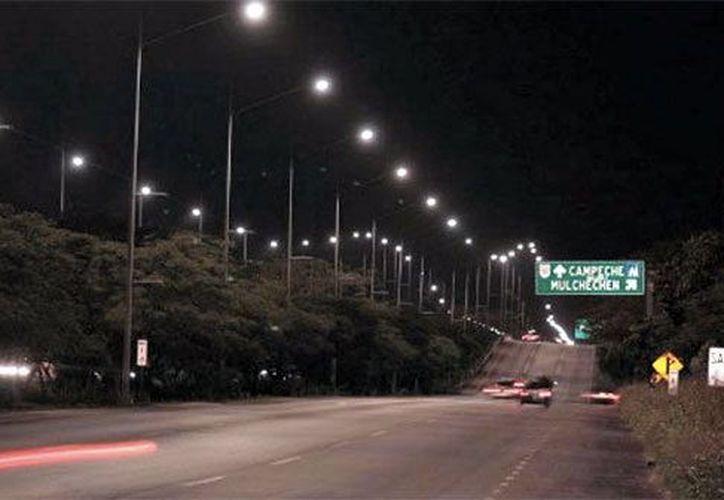 Instalarán 400 lámparas en el Periférico de la ciudad. (Milenio Novedades)