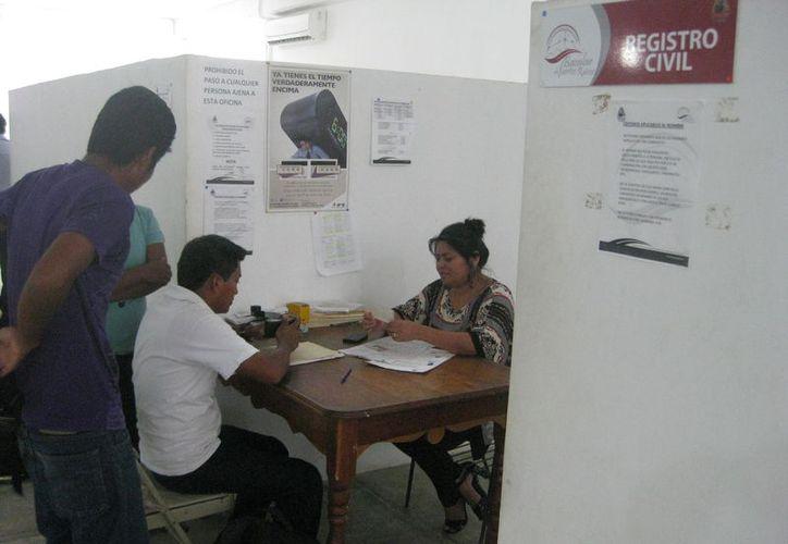 Hasta el 9 de febrero estarán concediendo la exención de pago para las parejas que quieran inscribirse. (Javier Ortiz/SIPSE)