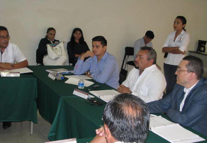 El Ieaey destacó los esfuerzos de varias instituciones educativas por la certificación de adultos yucatecos. (Cortesía)