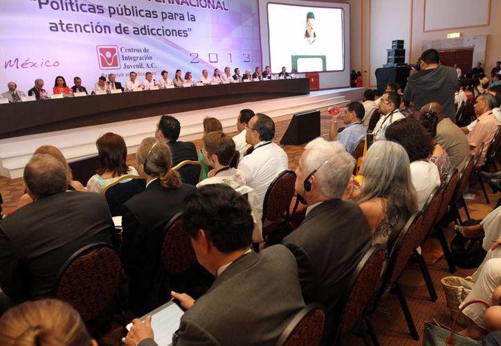"""Realizan el Congreso Internacional """"Políticas Públicas para la Atención de Adicciones"""". (Israel Leal/SIPSE)"""