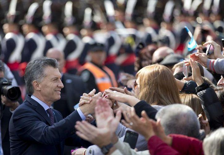 Acusan a Macri de aumentar su fortuna en un 124 por ciento, que no se justifica por sus ingresos netos anuales, ni por la diferencia de valuación de sus bienes. Imagen del Presidente de Argentina en Buenos Aires. (AP)