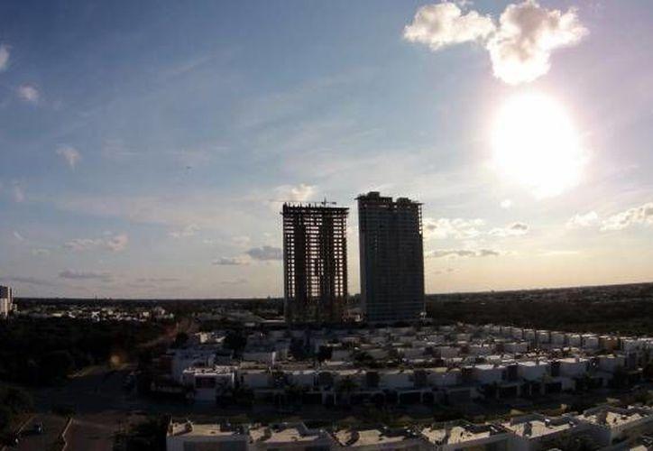 Las viviendas de lujo son cada vez más comunes en Mérida, por lo que la Canadevi decidió abrirle un escaparate especial en la Expo Vivienda 2016, en octubre próximo. (Archivo/Milenio Novedades)