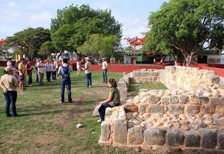 Una asociación civil promueve una nueva ruta turística en Mérida: recorrido por los parques de la ciudad, en los que se encontraron vestigios mayas. La imagen es del Fraccionamiento del Parque, en el oriente, el cual forma parte del intinerario. (José Acosta/SIPSE)