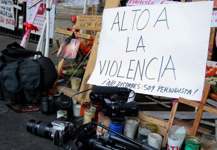 La violencia contra los periodistas fue uno de los problemas que se vivieron durante el año. (animalpolitico.com)