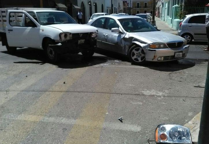 choque camioneta sin frenos auto de lujo centro merida fotos patricia itza1