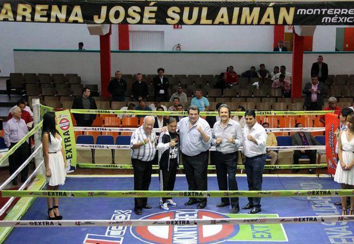 Como parte de la celebración de la apertura de la Arena José Sulaimán, en Monterrey, niños y jóvenes realizaron entrenamientos, lo cual marcó el inicio de actividades. (Notimex)
