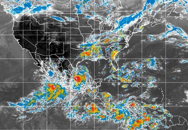 Las bandas nubosas de 'Dolly' afectarán los estados de Tamaulipas, Veracruz y San Luis Porosí, así como Nuevo León, Edomex, Tabasco, Chiapas y Oaxaca. (Notimex)