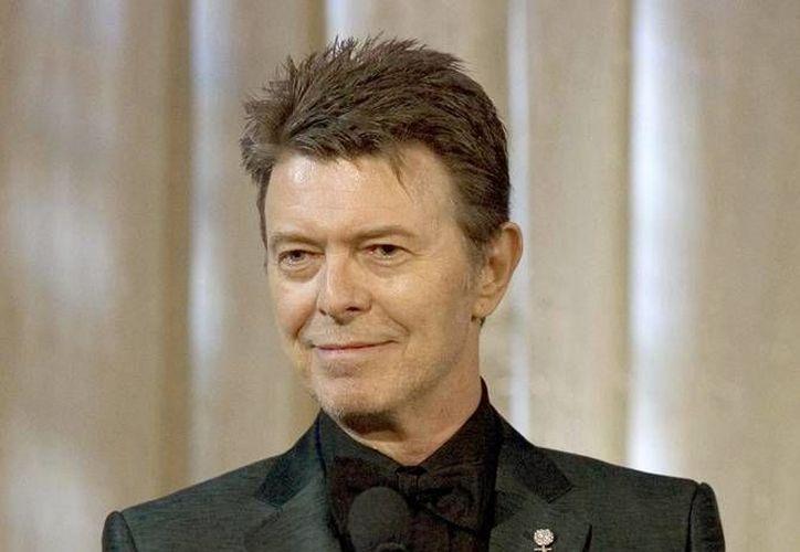 David Bowie falleció el 10 de enero víctima de un cáncer, sin embargo, días antes tuvo una gran alegría al saber que este año nacería un nieto suyo. (AP)