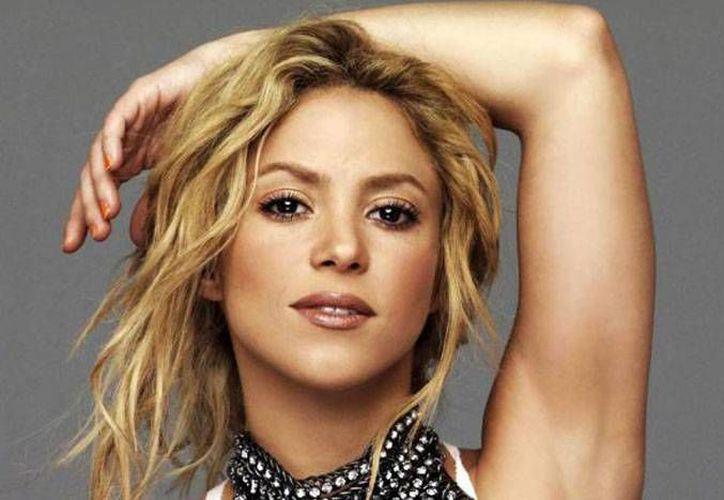 La cantante colombiana Shakira lanzará su nuevo álbum en 2014. Ha vendido casi 60 millones de discos en todo el mundo. (vanguardia.com)