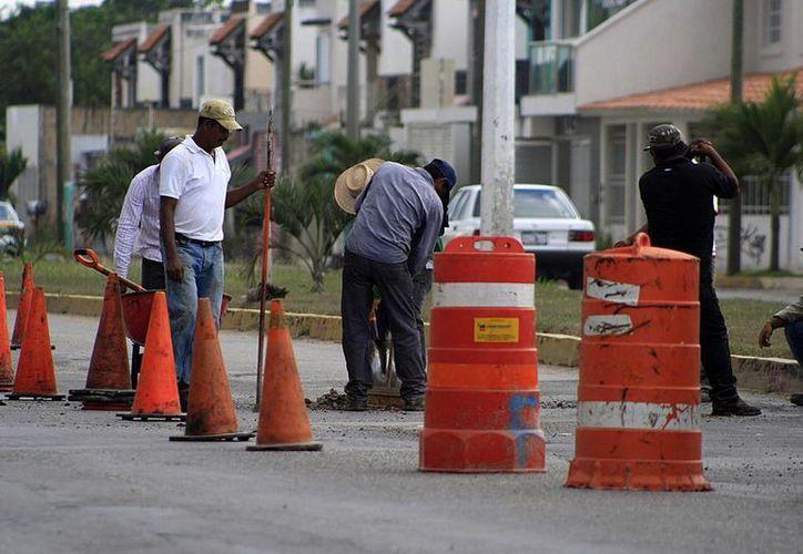 Repararán los baches después de la temporada de lluvias. (Harold Alcocer/SIPSE)
