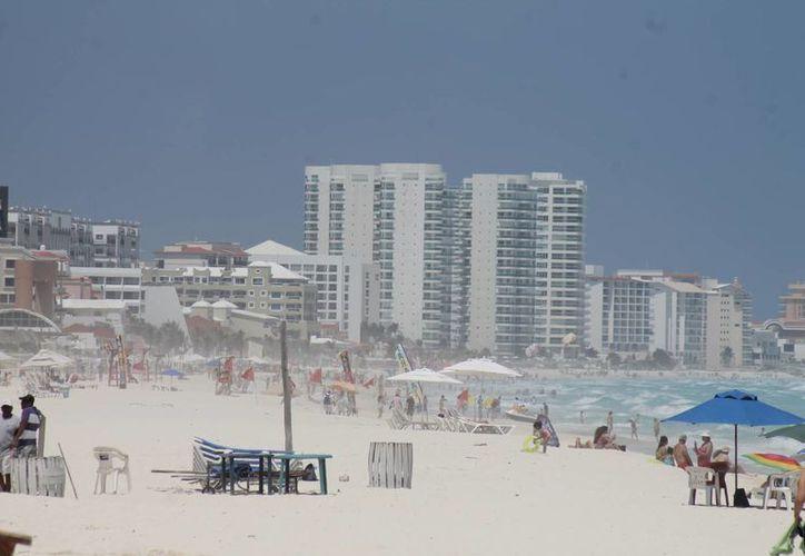 Equipos de fútbol han hecho concentraciones en las playas. (Israel Leal/SIPSE)