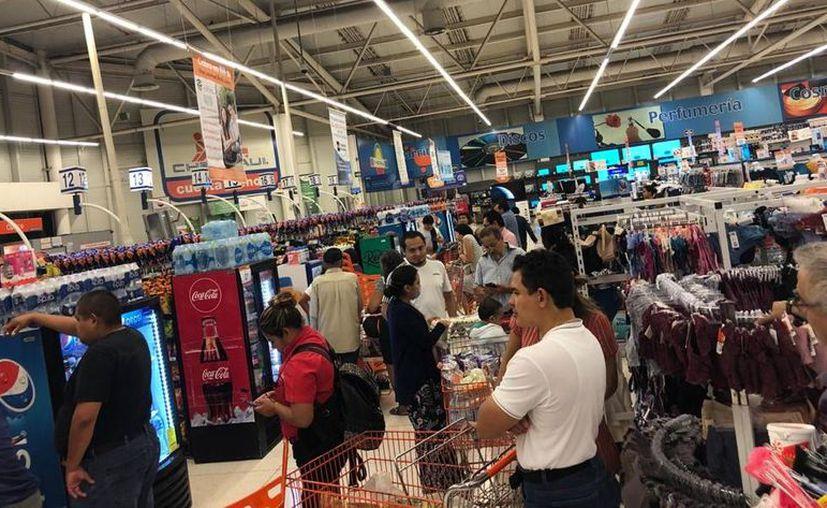 Para comprar en los supermercados se emitieron medidas de recomendación ante la presencia de Covid-19 en Yucatán. (Novedades Yucatán)