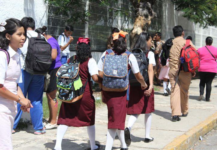 Tampoco acudirán a clases el 15 de mayo, fecha que celebran su día los maestros, quienes tendrán varias actividades. (Joel Zamora/SIPSE)