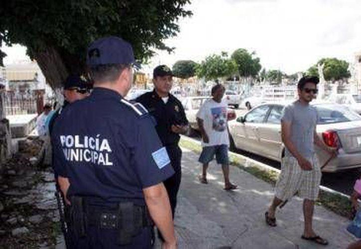 La vigilancia en el cementerio de Xoclán será dirigido por la Secretaría de Seguridad Pública. (Milenio Novedades)