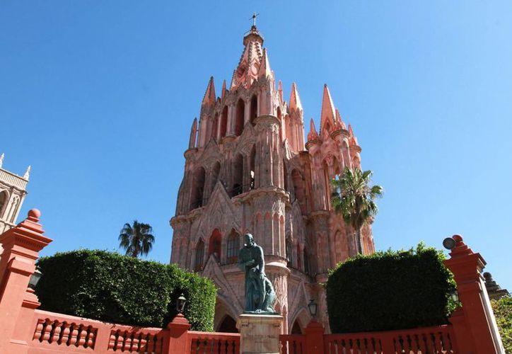 Uno de los tesoros de San Miguel de Allende es su iglesia principal, levantada a finales del siglo XVII. (Notimex)