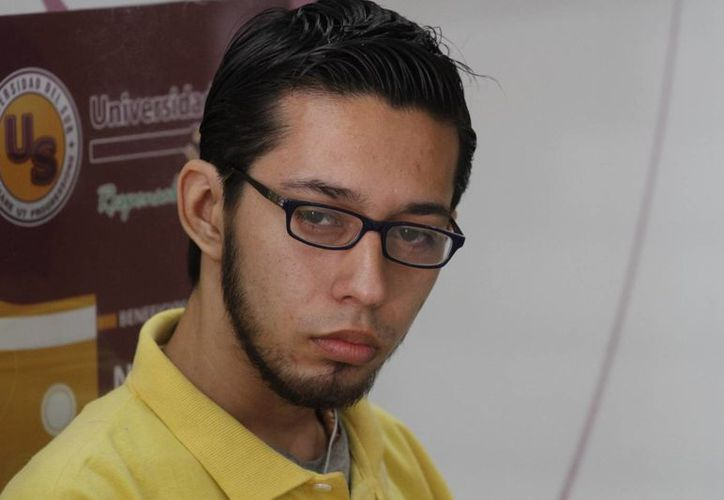 Yasser Martínez Rojas, estudiante de la Universidad del Sur. (Sergio Orozco/SIPSE)