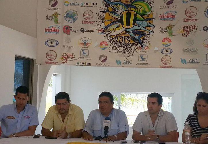 El director del IMD, Miguel Moreno Gaffare, encabezó la presentación del evento. (Redacción/SIPSE)