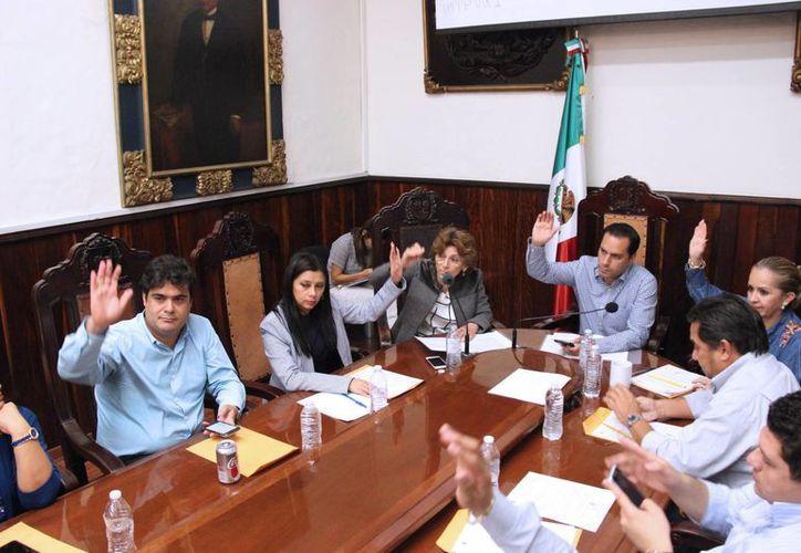 A propuesta del alcalde de Mérida este viernes se aprobaron reformas a 27 reglamentos municipales. (Foto cortesía)