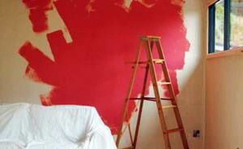 El programa arrancará en los fraccionamientos Juan Pablo II, Vergel y Pacabtún, en donde se les proporcionará una cubeta de pintura. (Milenio Novedades)