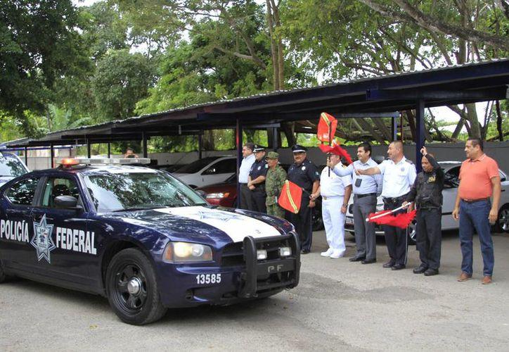 La Policía Federal (PF) División Caminos en la zona sur del estado dio el banderazo de inicio del operativo vacacional. (Harold Alcocer/SIPSE)