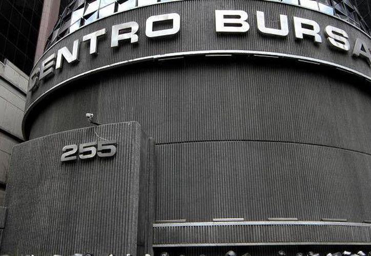 La Bolsa Mexicana de Valores dispone de un techo financiero de cuatro mil mdp, resultado de las aportaciones de instituciones de inversión como afores, aseguradoras y sociedades de inversión. (Archivo/Notimex)