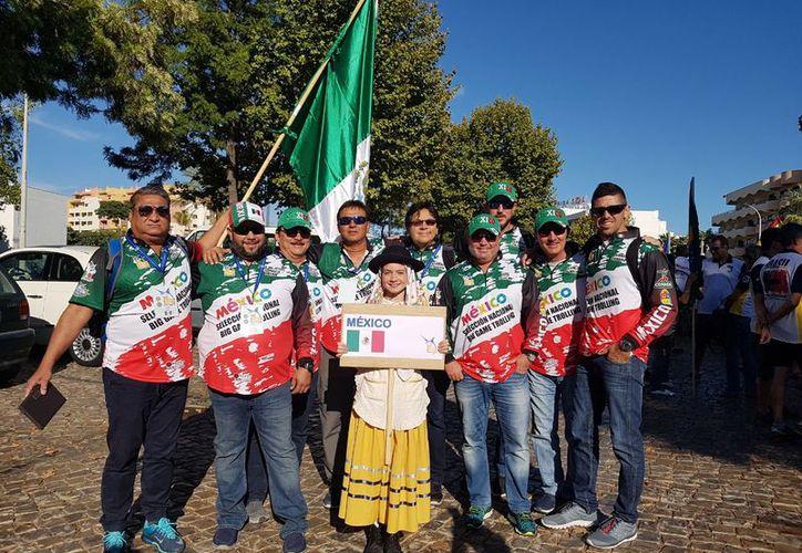 La delegación de México en Portugal antes de iniciar el Campeonato Mundial de Pesca. (Raúl Caballero/SIPSE)