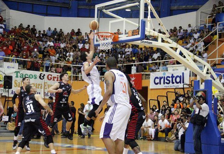 Ahora Pioneros va a Veracruz con la ilusión de lograr el campeonato. (Redacción/SIPSE)