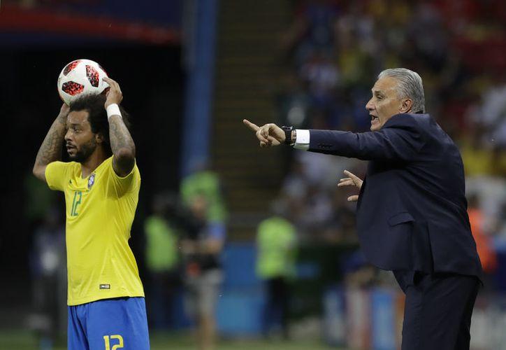 Tite, entrenador de Brasil, cometió varios errores que costaron al Scratch su eliminación ante Bélgica (Foto AP)