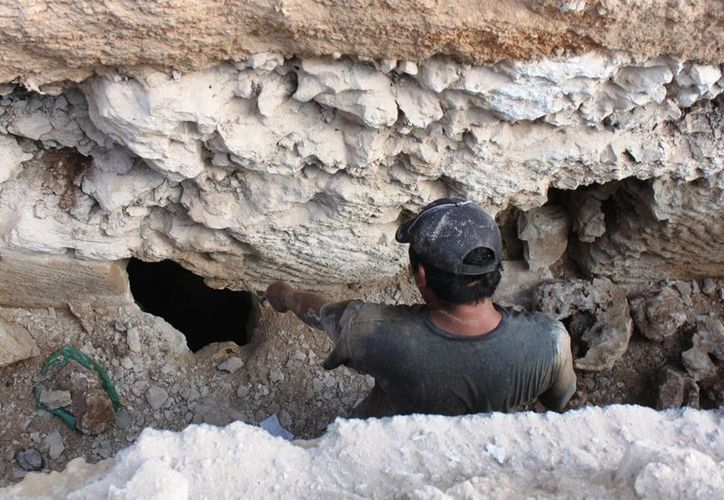 Con las obras de instalación hidráulica se rellenaron dos cenotes, según vecinos de la colonia Bellavista. (Daniel Pacheco/SIPSE)