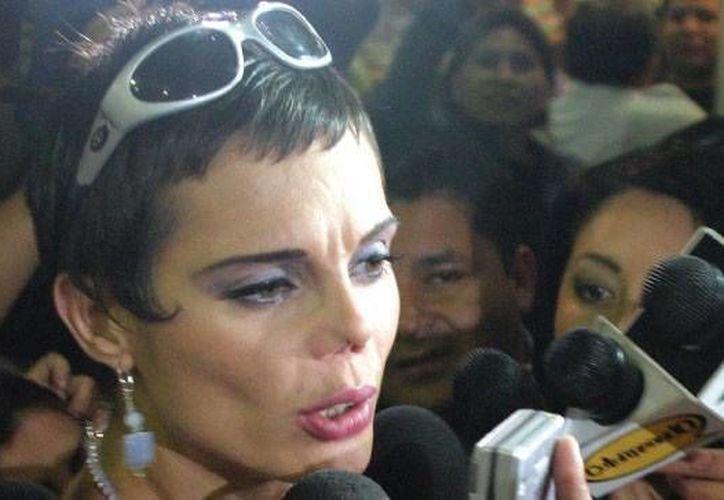 Carmen Campuzano, quien llegó a ser una de las modelos más cotizadas de México, debió recurrir a cirugía reconstructiva en su nariz.