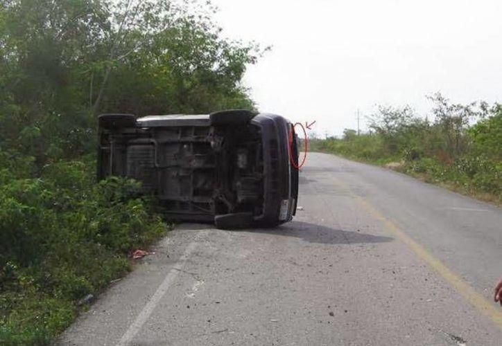 Personas que han sufrido accidentes en la carretera Mérida-Cancún, tramo Kantunil-Holcá, refieren haber visto a un hombre quemado que se atraviesa en la carretera, y por eso han tenido que dar un 'volantazo'. (SIPSE)
