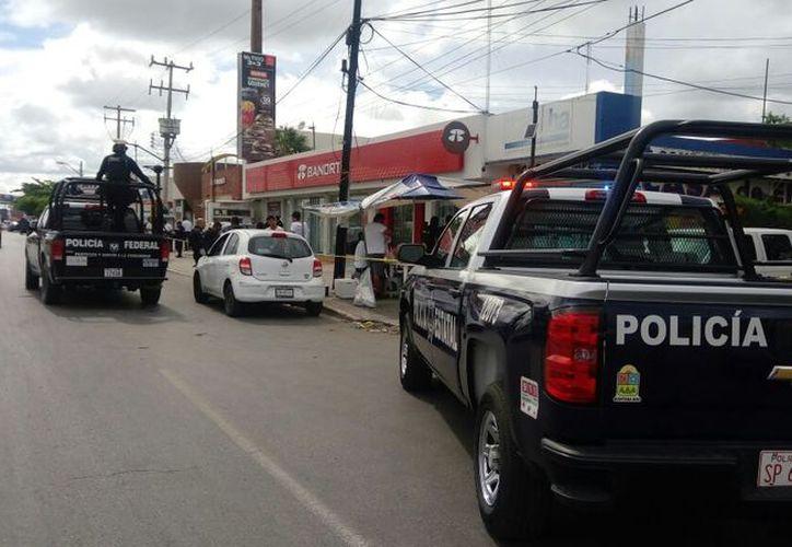 La sucursal bancaria se ubica en la Región 92, sobre la avenida López Portillo. (Eric Galindo/SIPSE)