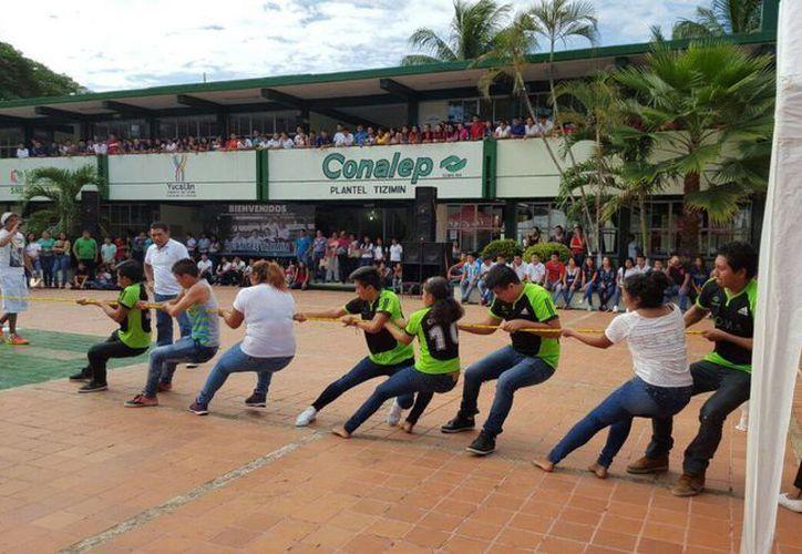 Con actividades deportivas y culturales dio inicio el ciclo escolar de Conalep. (Fotos cortesía)