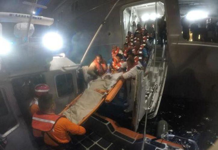 La Marina rescata a una persona del sexo femenino, quien presentaba síntomas de pancreatitis aguda en Isla Mujeres. (Archivo/SIPSE).