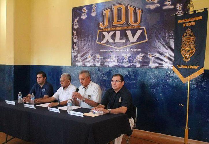 Rueda de prensa para anunciar los Juegos Deportivos Universitarios. (Milenio Novedades)