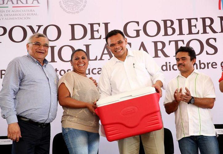 En el último día de 2014, el gobernador Rolando Zapata Bello realizó una gira por los puertos de San Felipe y Río Lagartos. (SIPSE)