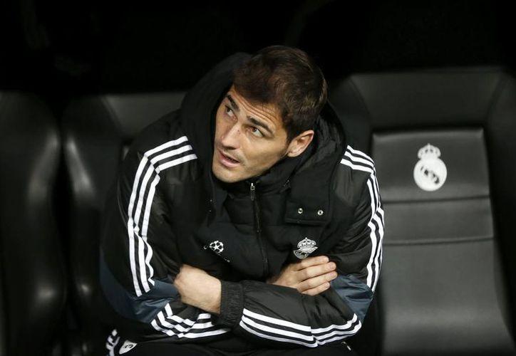 Iker Casillas se mostró dispuesto a saludar a Mourinho si se encontrase con él en algún momento. (EFE)
