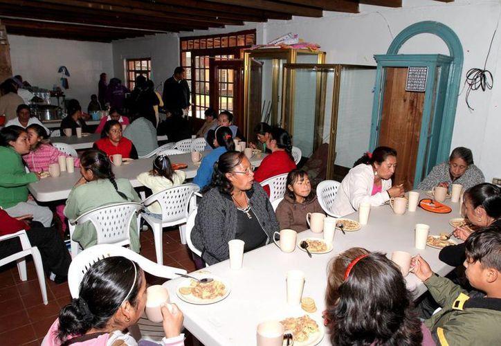 Uno de los programas de la Sedesol es el de los Comedores Comunitarios. En la imagen, el de Tenango del Valle, Estado de México. (Archivo/Notimex)