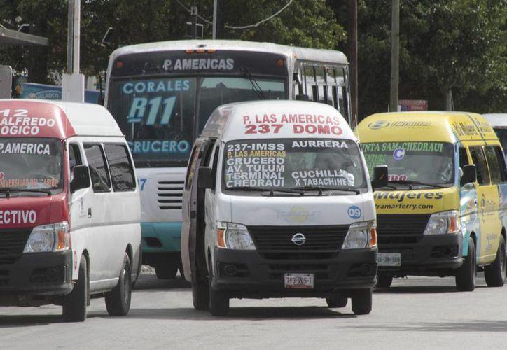 Los concesionarios del transporte solicitaron dos pesos con 50 centavos. (Tomás Álvarez/SIPSE)